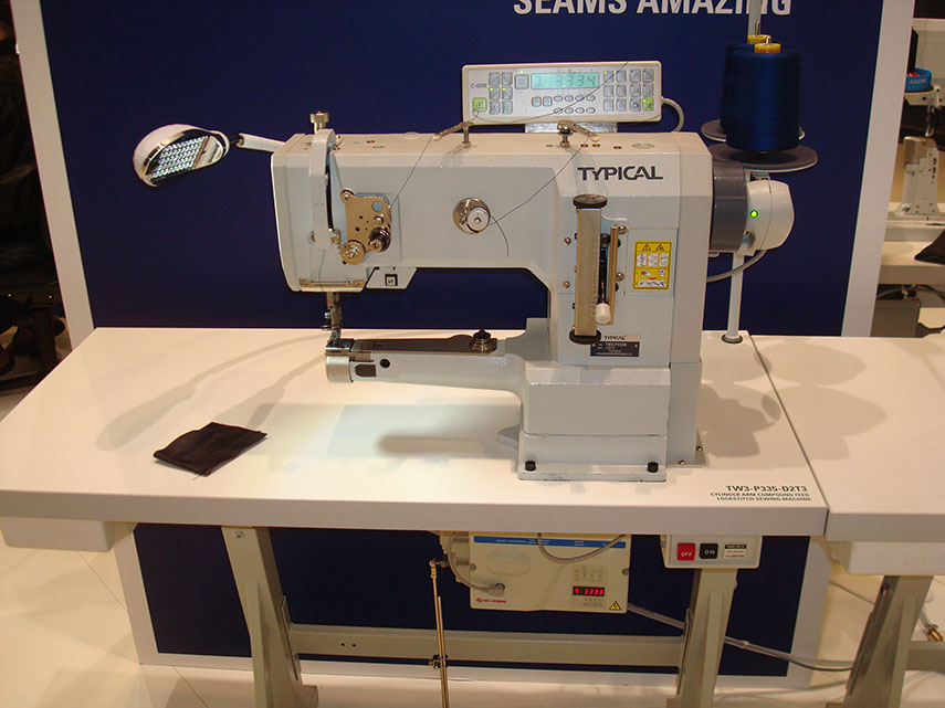 Cylinder Arm Compound Feed Lockstitch Sewing Machine